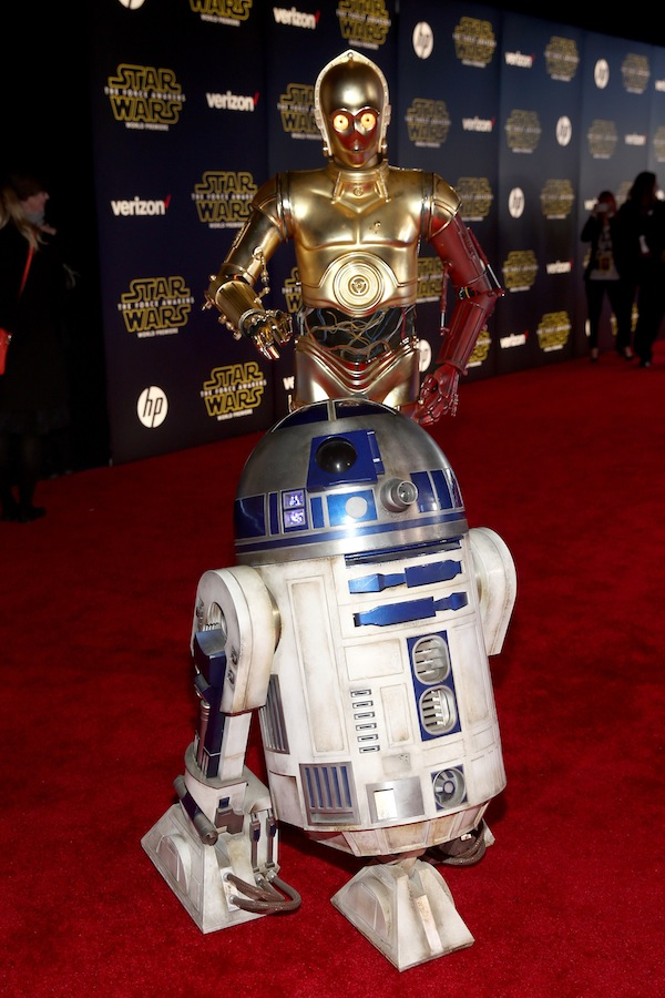 HOLLYWOOD, CA - DECEMBER 14:  R2-D2 (L) and C-3PO attend the World Premiere of ?Star Wars: The Force Awakens? at the Dolby, El Capitan, and TCL Theatres on December 14, 2015 in Hollywood, California.  (Photo by Jesse Grant/Getty Images for Disney) *** Local Caption *** R2-D2;C-3PO